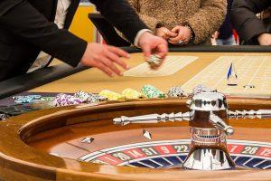 ラスベガスのカジノはイカサマしている。遠隔操作しているの