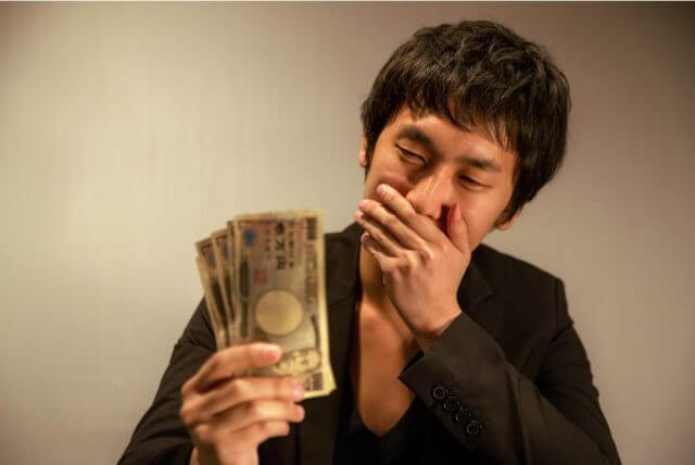 オンラインカジノでギャンブル依存症、そして借金