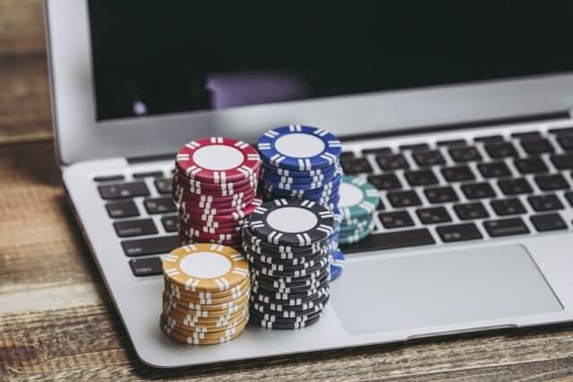 オンラインカジノのプロは存在するの