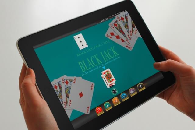 オンラインカジノ ブラックジャックで遊ぼう