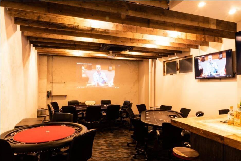 s静岡にある人気のポーカーバーSPACE(スペース)